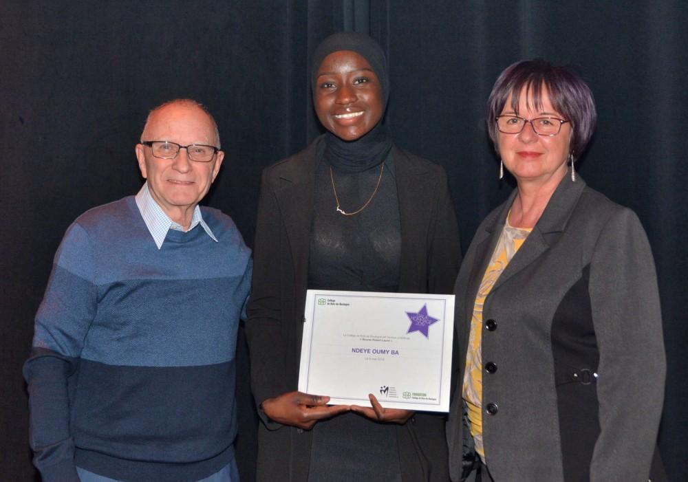 Félicitations à Ndeye Oumy Ba, récipiendaire de la bourse Robert-Laurin